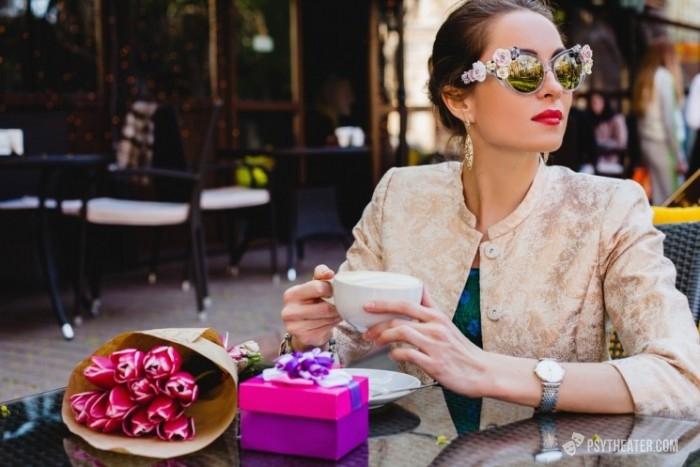Как стать женственной и элегантной