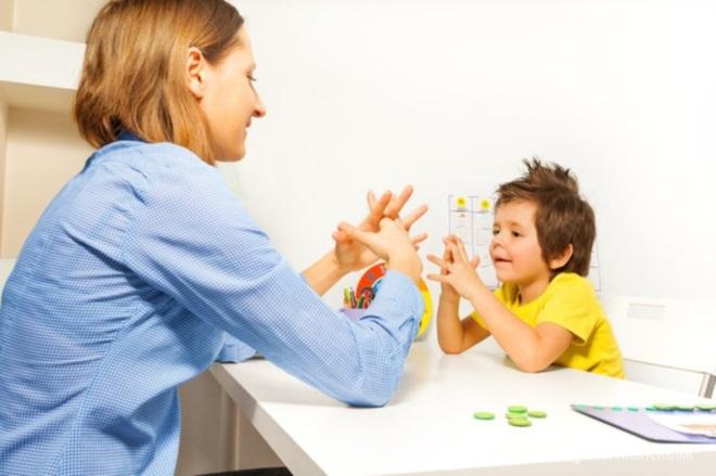 Как выявить аутизм у детей на ранней стадии?