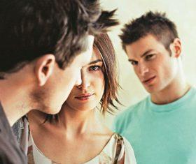 Как заставить парня ревновать