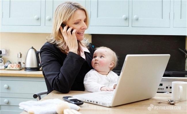 Почему женщина все больше выбирает карьеру, а не семью?